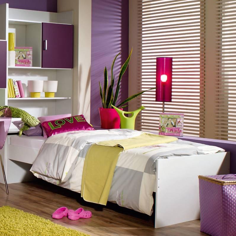 Malerisch Bett Jugendzimmer Foto Von