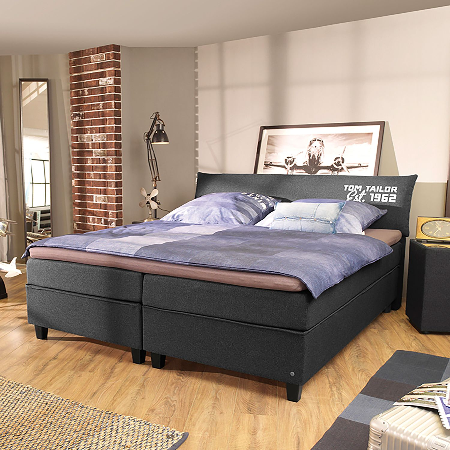 Lit boxspring Color Box