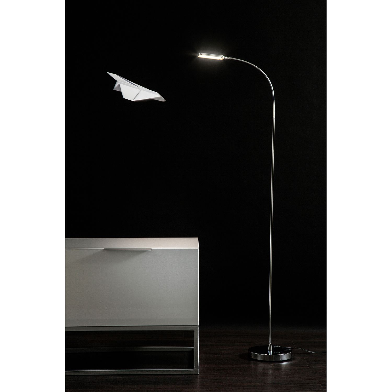 home24 LED-Stehleuchte Literature