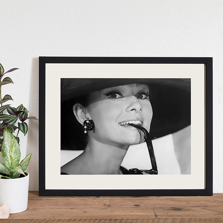 Bild Audrey Hepburn and Sunglasses