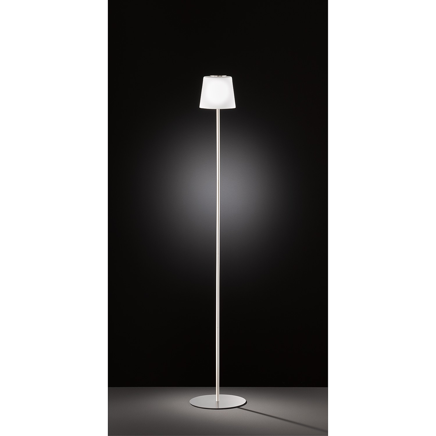 home24 LED-Stehleuchte Genk