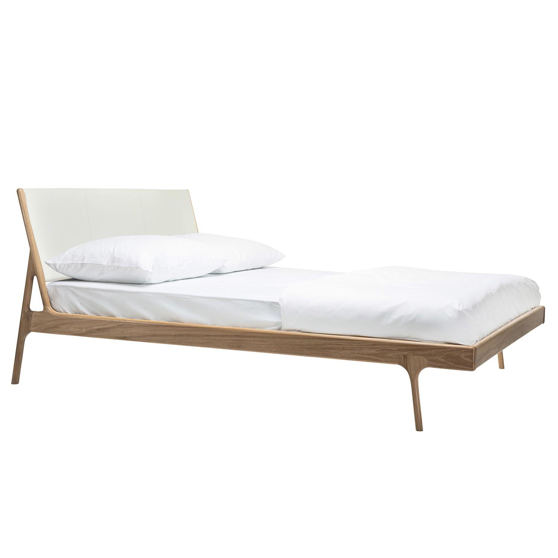 goedkoop Bed Fawn I massief eikenhout 180 x 200cm Lichte eikenhouten Leer Tupi Crèmekleurig Gazzda