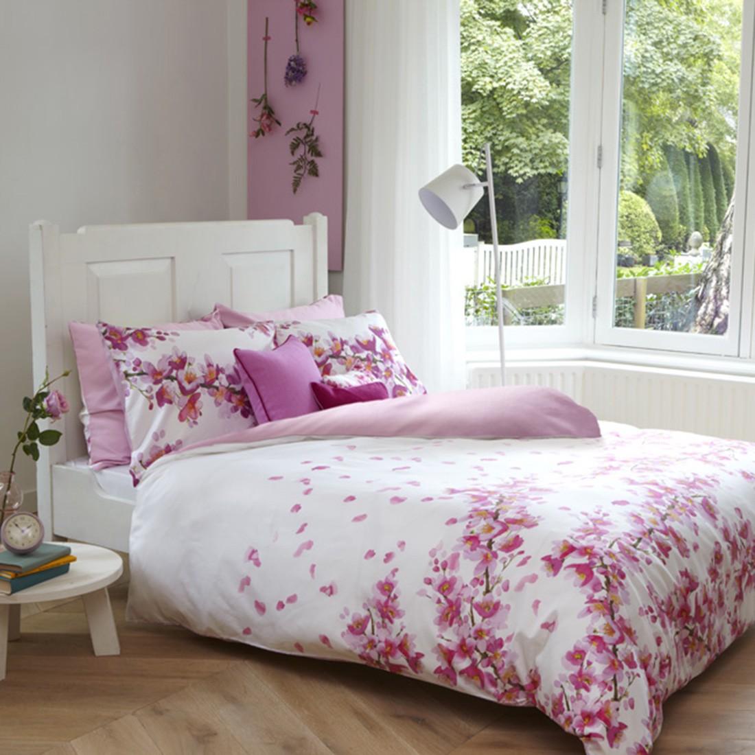kissenh lle wera mit bommeln rot ecru 45 45 cm quadro schuermanns backstube. Black Bedroom Furniture Sets. Home Design Ideas