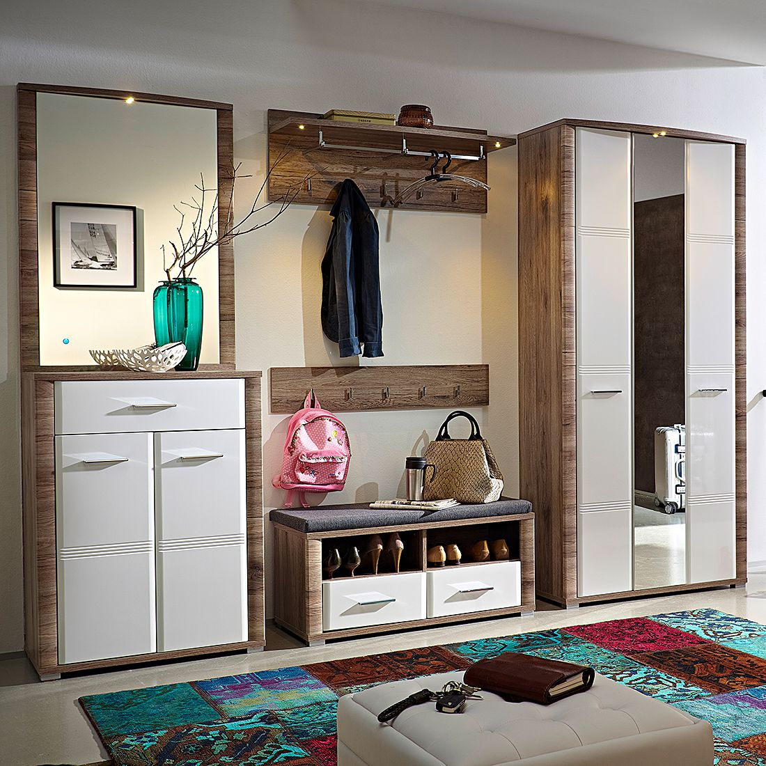 garderobe wandpaneel weiss garderobe halifax mit krben. Black Bedroom Furniture Sets. Home Design Ideas