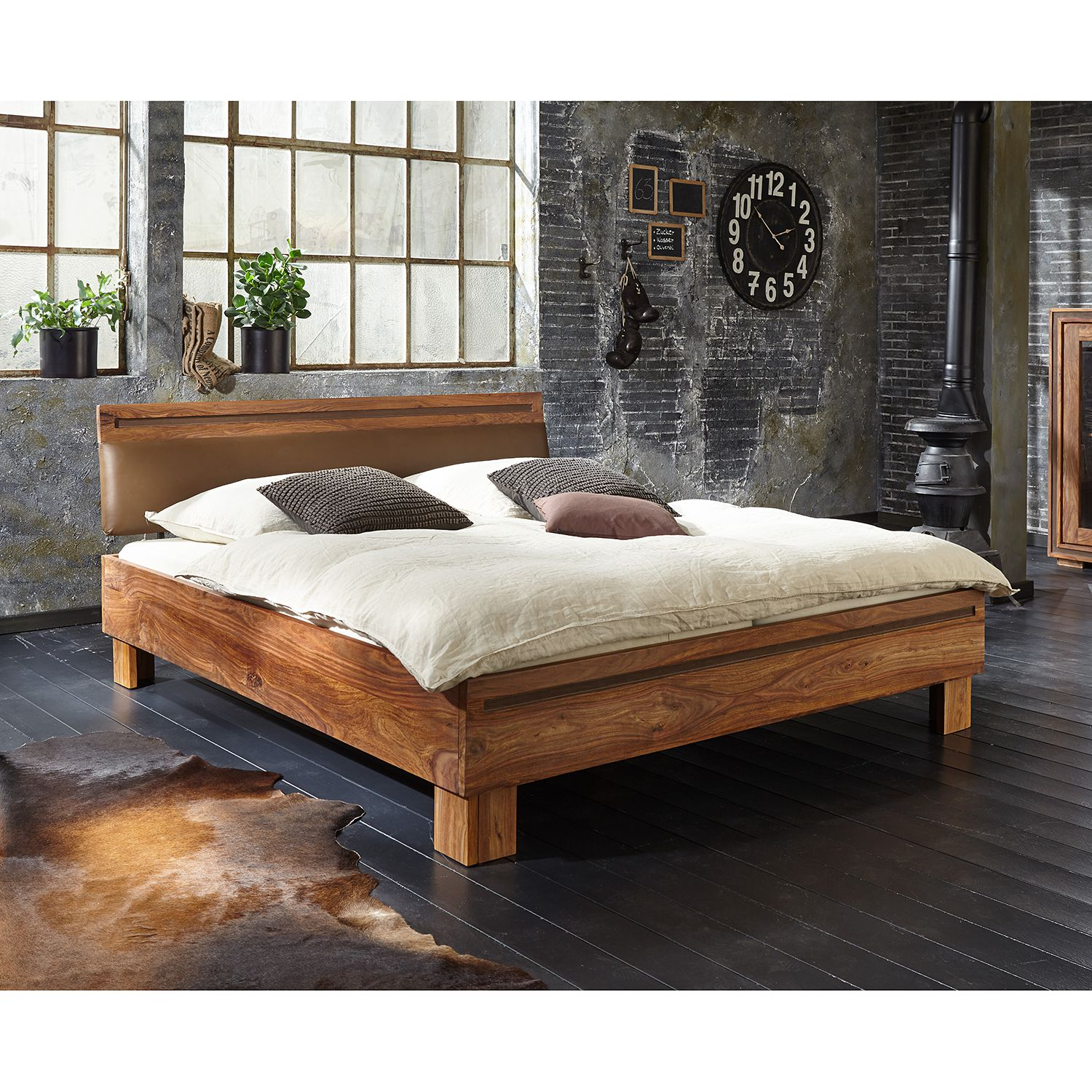 Home24 Massief houten bed Shan, Wolf-Moebel