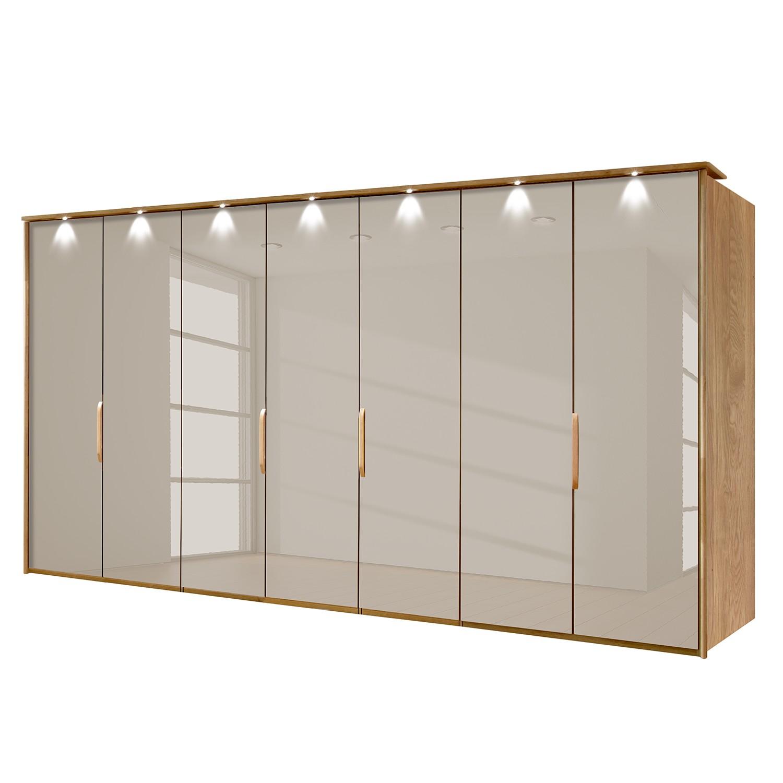 goedkoop energie A+ Kledingkast Torino deels massief eikenhout Met verlichting 350cm 7 deurs Saharakleurig Met verlichte Passe partout lijst Wiemann