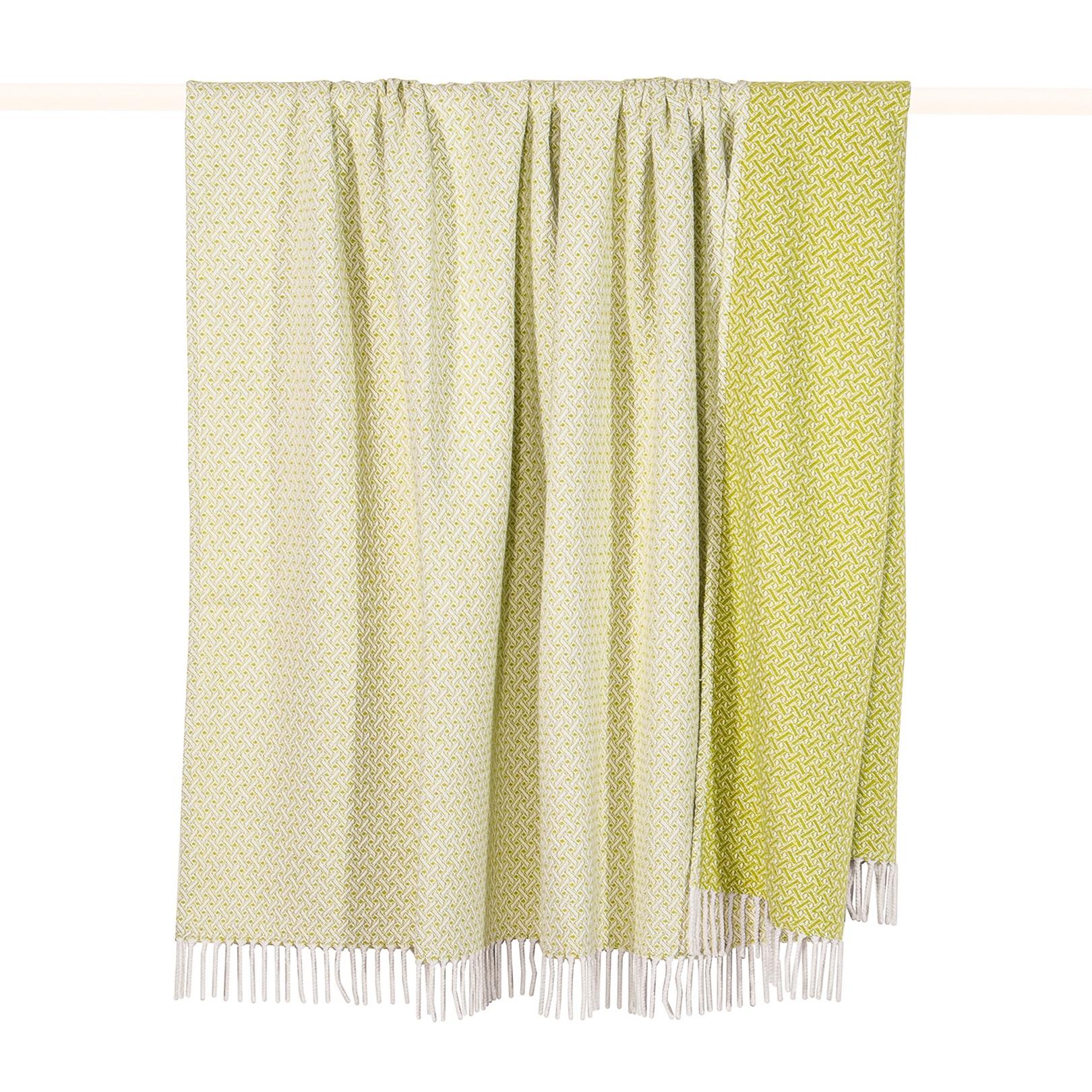 home24 Plaid Madison | Heimtextilien > Decken und Kissen > Tagesdecken und Bettüberwürfe | Gruen | Textil | pad home design concept