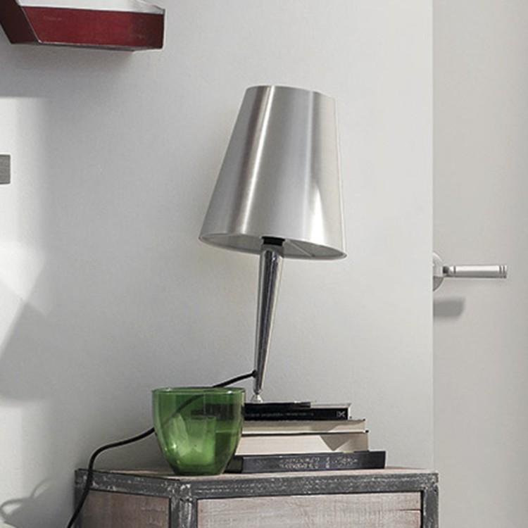 Lampada da tavolo Asaihai by Julià, loftscape